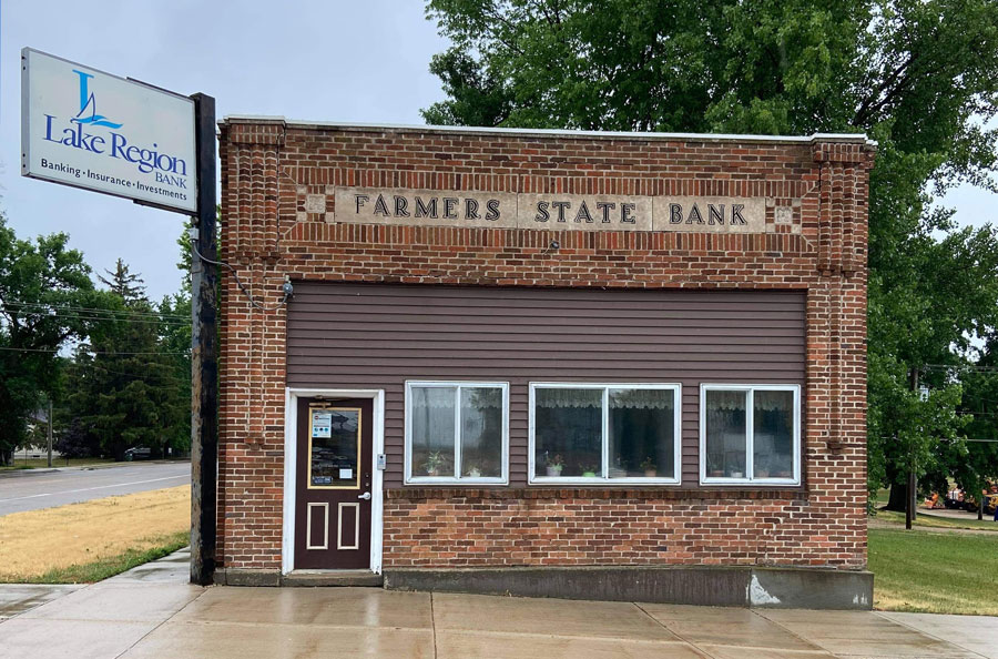 Farmers State Bank changed its name to Lake Region Bank in 2003