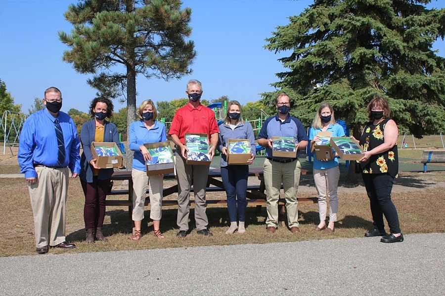Lake Region Bank Sunburg Team Masks For Schools